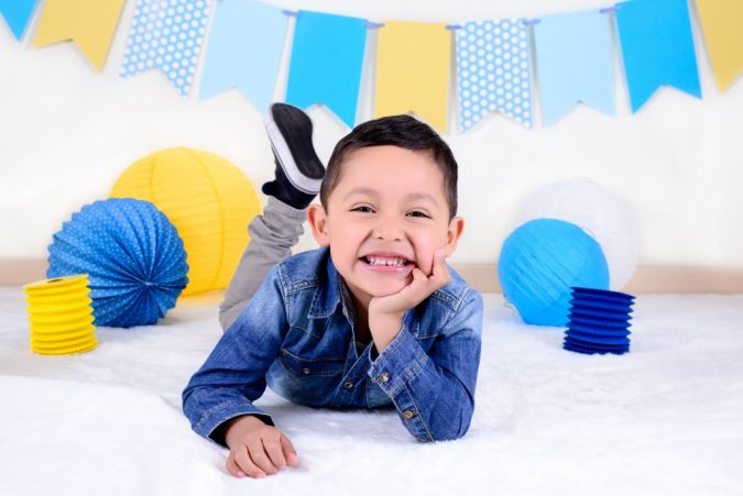 Set Infantil 9 - Fondo y piso de papel Blanco